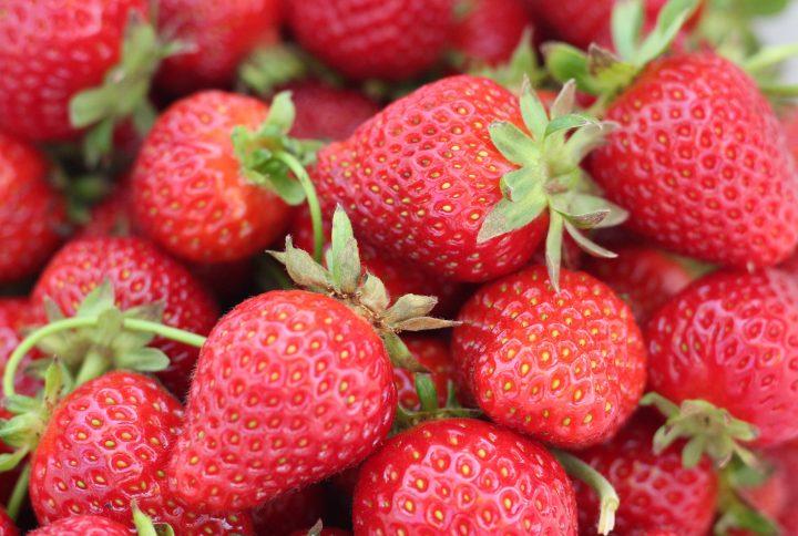 Le fragole, un boom di antiossidanti, alleate di peso corporeo e denti